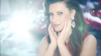 laura-pausini-santa-claus-llego-a-la-ciudad-official-video-youtube-thumbnail