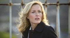 TELETODO SERIE LA CAZA a The Falla Series 1 Artists Studio BBC Directed by JAKOB VERBRUGGEN Produced by GUB NEAL JULIAN STEVENS EX Produced by PATRICK IRWIN JUSTIN THOMSON-GLOVER Writer Producer ALLAN CUBITT Starring Gillian Anderson